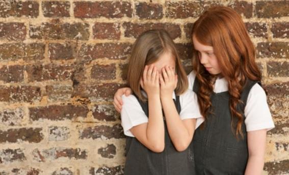 Cómo enseñar a los niños a no molestar a otros